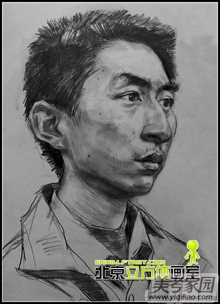 北京/北京立方体画室青年头像素描作品